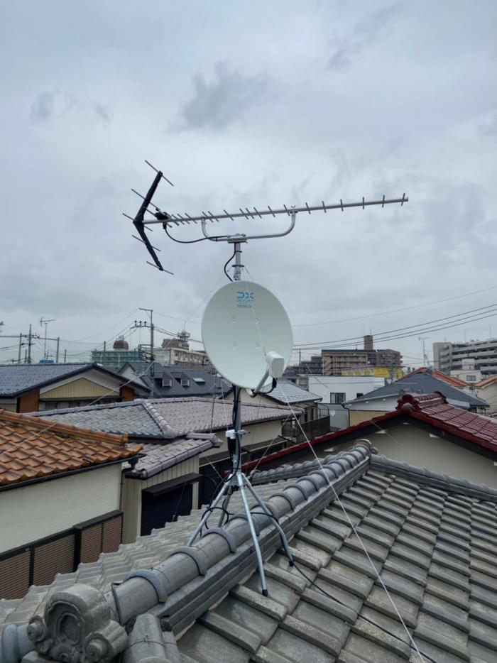 草加市旭町 UHFアンテナ+BSアンテナ取付工事