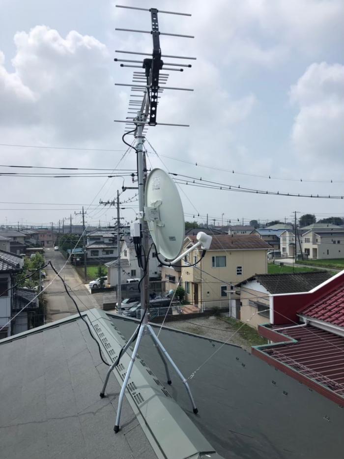 鴻巣市氷川町|UHFアンテナ+BS/CSアンテナ工事