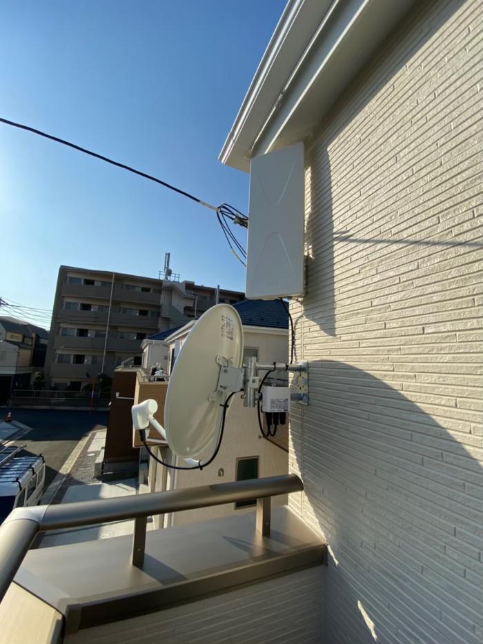 西東京市泉町|デザインアンテナ+BS/CSアンテナ工事|タクトホーム